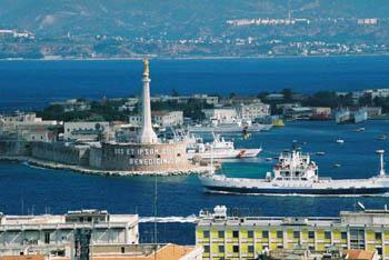 Hafen Villa San Giovanni