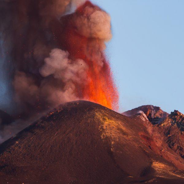 Besichtigung bei Ausbruch - Etna Tour
